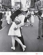 V-J-Day-Kiss-Eisenstaedt