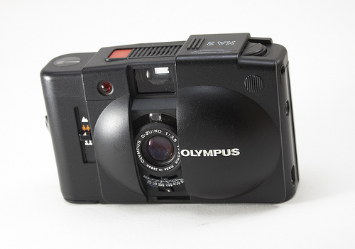 Olympus XA2 - The 35mm Zone Focus Camera I Use