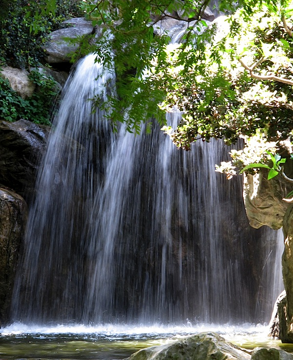 Slow waterfall 1.jpg
