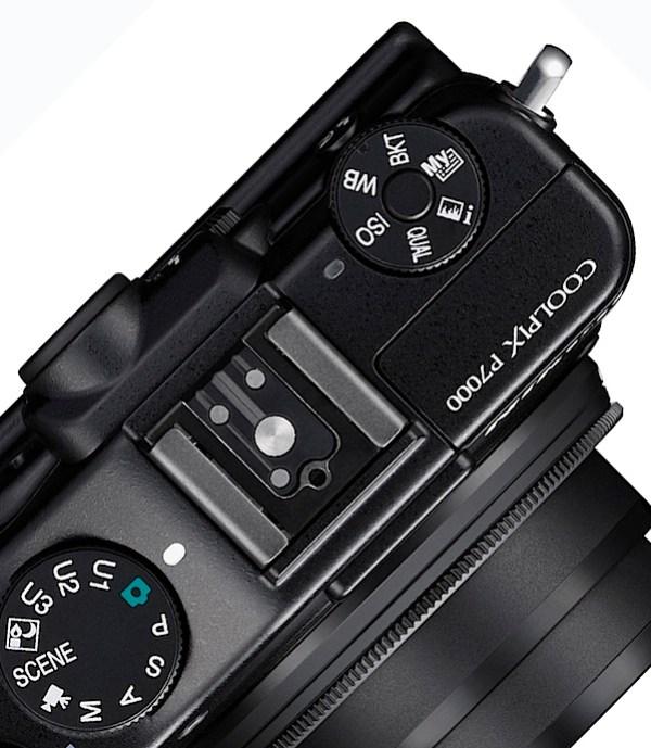 Nikon P7000 top detail