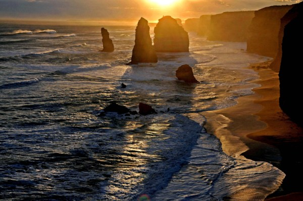 Image: Sunset at Twelve Apostles along the Great Ocean Road