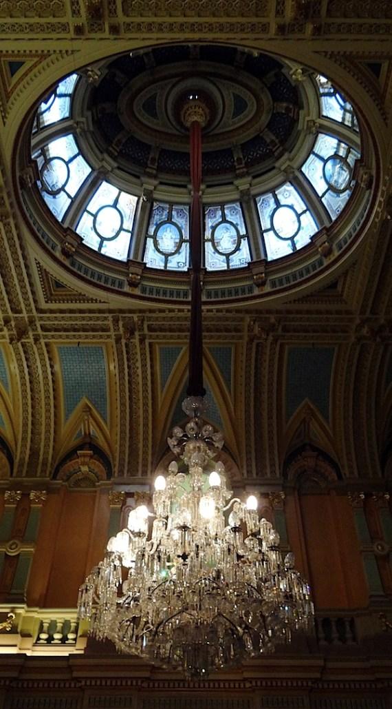 市政厅chandelier.JPG
