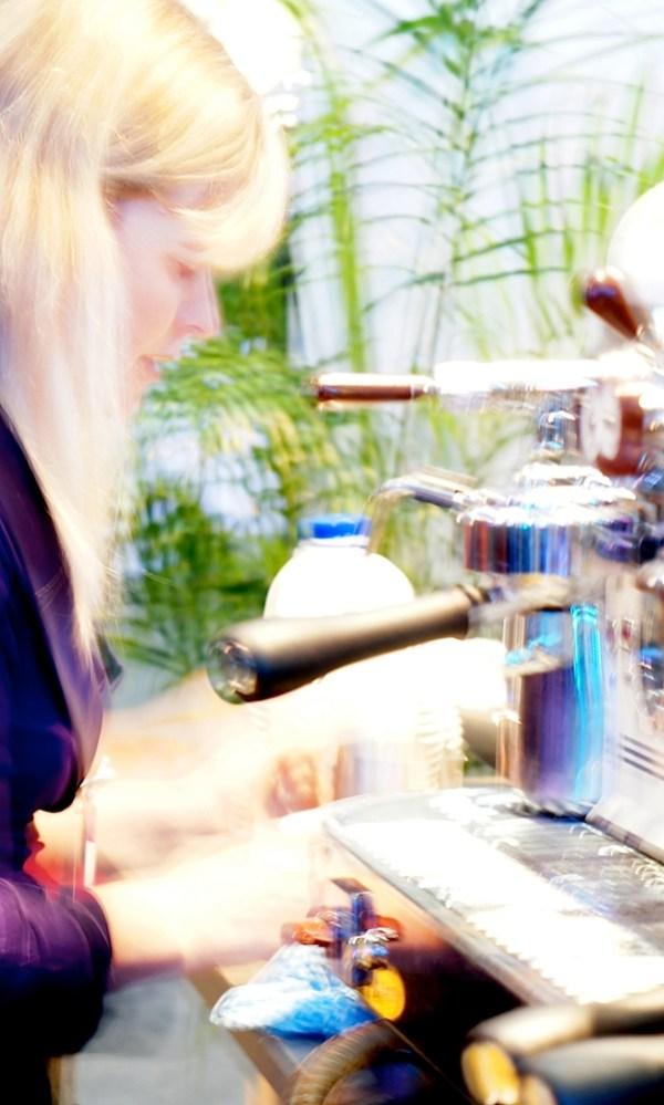 Sony-NEX-C3 Coffee maker blurr 1.JPG