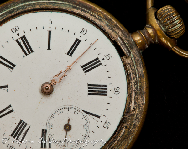 Image: This broken pocket watch was just too beautiful not to take a closer look!