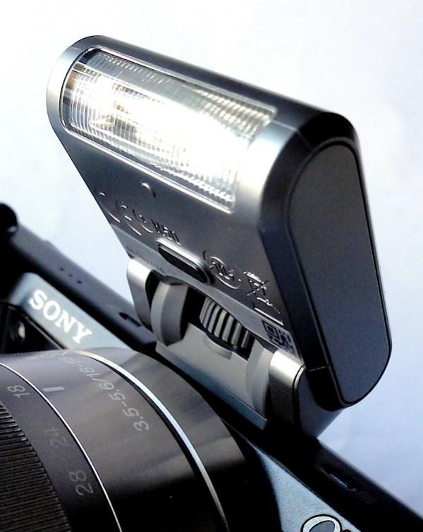 Sony NEX-5N Flash.jpg