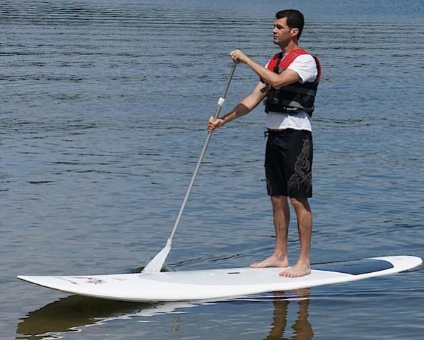 Sony NEX-5N People and canoes 6.JPG