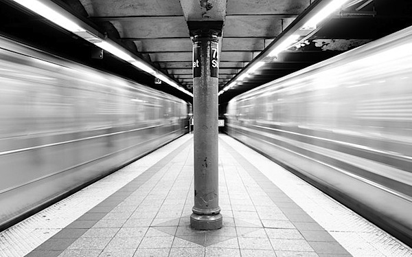4 - 72nd_street_subway_in_motion.jpg