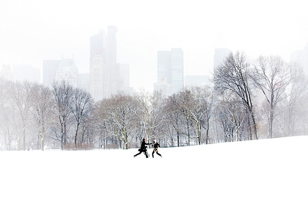 5 - central_park_snowstorm_couple.jpg