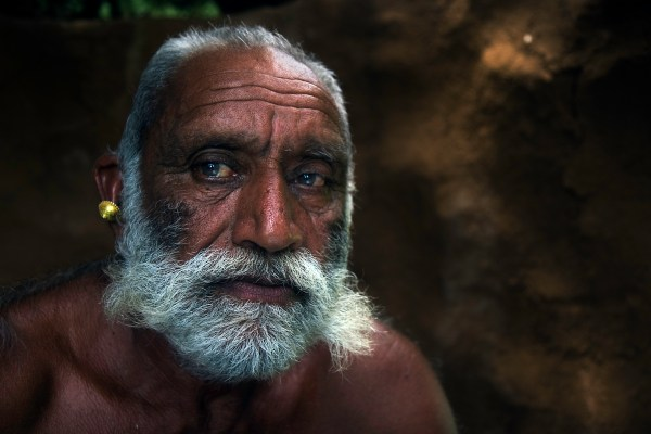 Image: Man from the Rabari tribe in his house :: India 24 mm, fstop 2.8, 1\\100