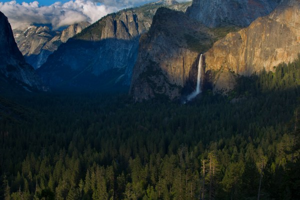 Image: An image of a national park or other nationally known landmark will have broader appeal.