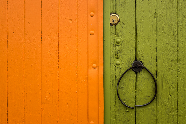 ©Valerie Jardin ~ Contrasting Colors Make For Great Minimalist Subjects.