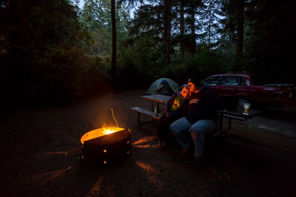 night-campfire-photography-003