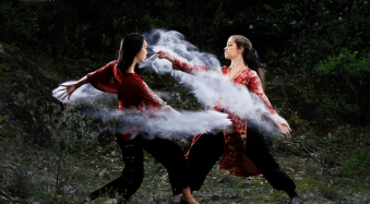 Dust and Fight: Behind the Scenes of This Spectacular Photo Series