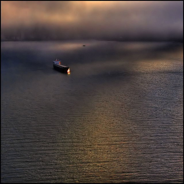 Beautiful picture 2 - contgainer ship heading into port.