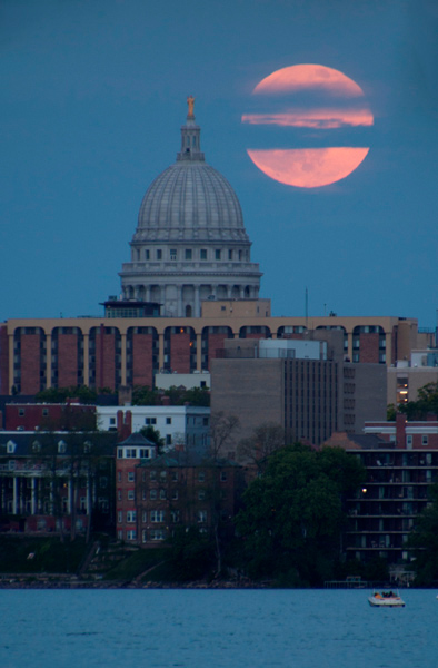 moon, moon photography, full moon, how to, Madison, Wisconsin, orange moon