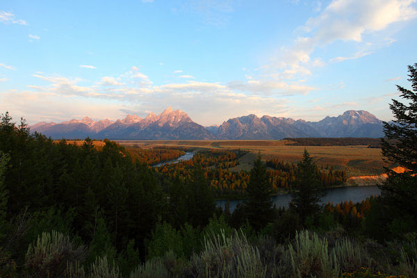 5 Tetons Mountains background