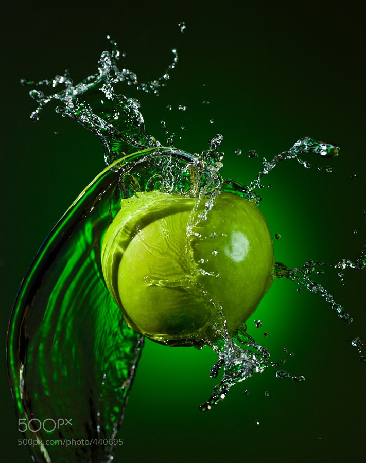 Photograph Green apple by Alex Koloskov on 500px