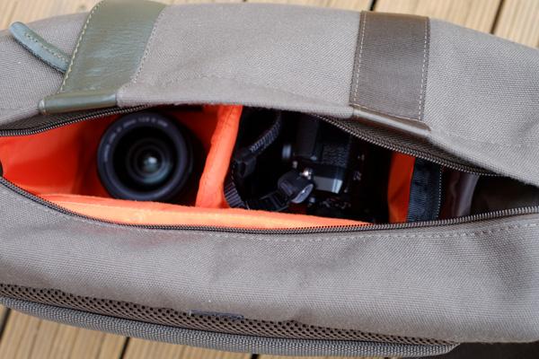 Vanguard Vojo 25 camera bag review