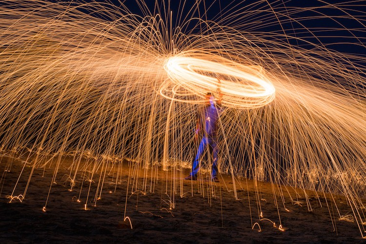 photographing-on-budget-beach-sparks