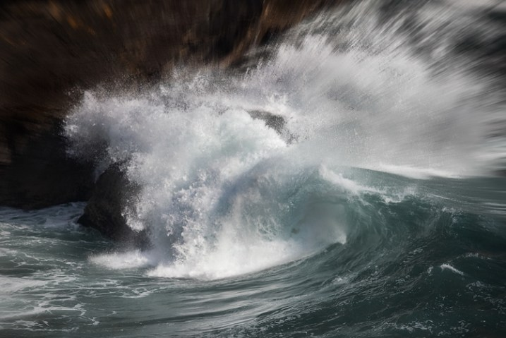 Top Coastal Formations - Crashing Waves
