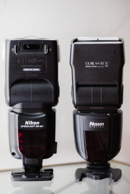 Nissin Di700A和尼康SB-900的并排比较