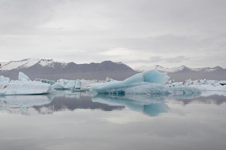 Iceland Glacier Lagoon big blue side 750 px