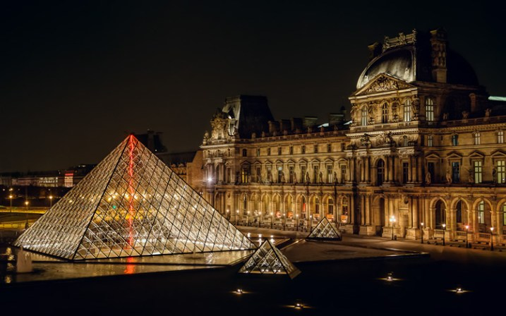 This was shot through a window from inside the Louvre, and using a tripod was not possible. Since I was hand holding, I needed to use ISO 3200. I didn't like using an ISO that high, but it beats not getting the shot at all (or having it blurry from too slow of a shutter speed)
