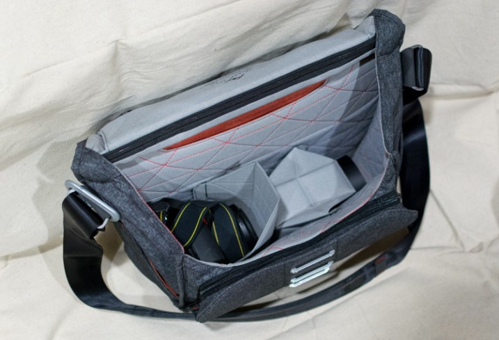 everyday-messenger-bag-gear-inside