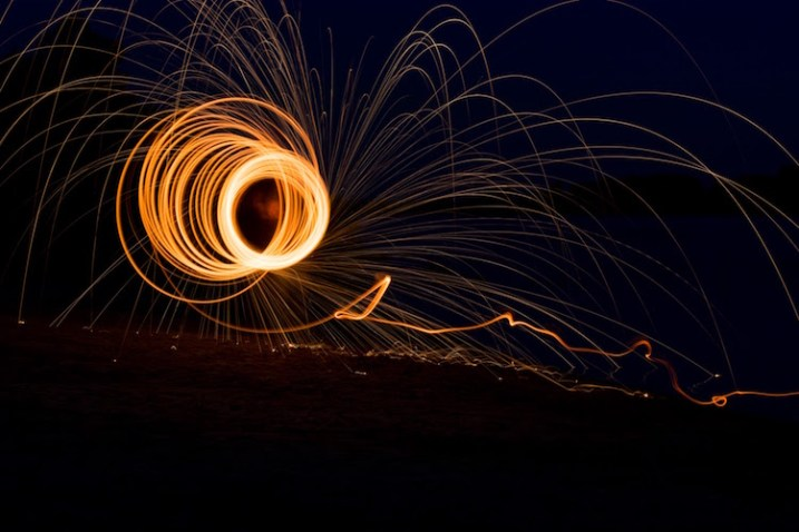 fire-spinning-single-spiral