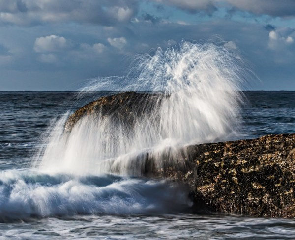 How To Capture Action Shots of Waves