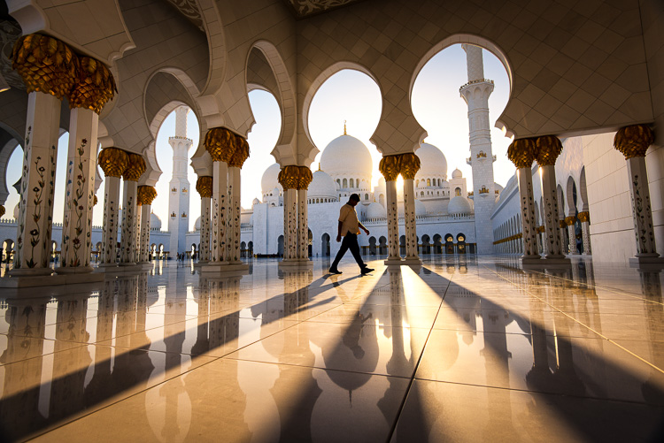 Sunset at Sheikh Zayed Mosque in Abu Dhabi