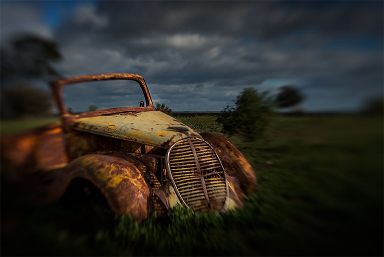 leannecole-lensbaby-old-car