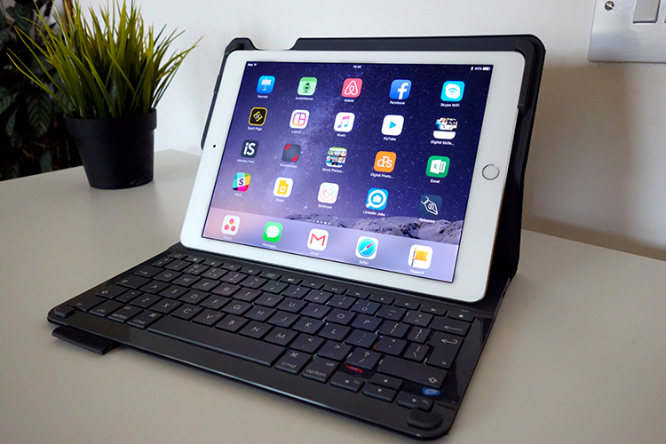 ipad-paired-with-keyboard-open