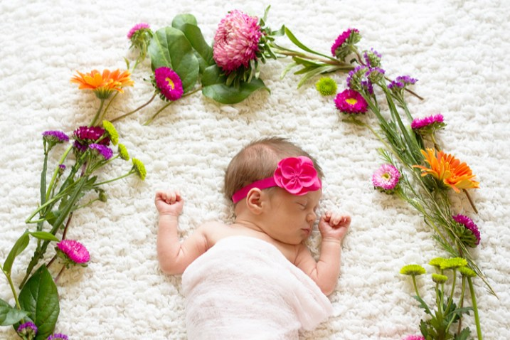 newborn-photos-outside