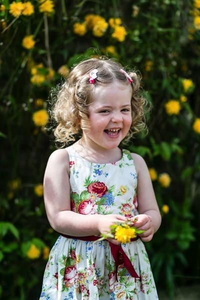 Family portrait INDIV GIRL flowers