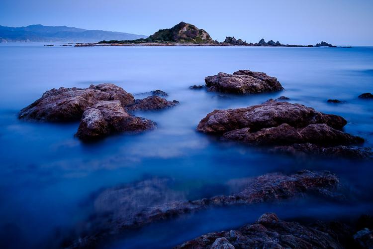 Como adicionar profundidade e dimensão em fotografia de longa exposição de paisagem marítima