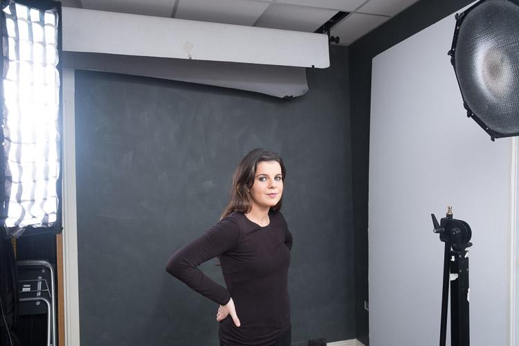 Configuração discreta de retrato com luz de cabelo