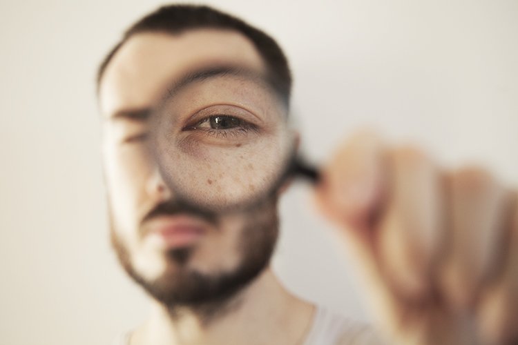 How to Create Artistic Photos with a Magnifying Glass
