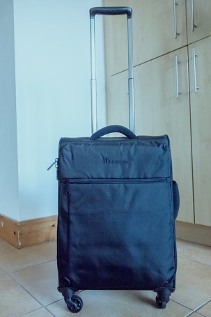 travel bag with wheels - DIY camera roller bag