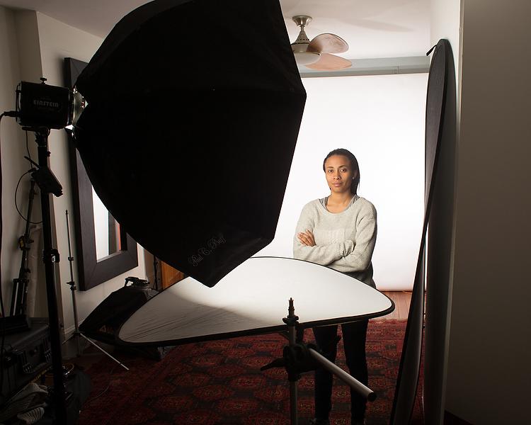 headshots lighting  sc 1 st  Digital Photography School & 3 Lighting Setups for Photographing Headshots