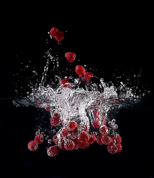 raspberries splashing