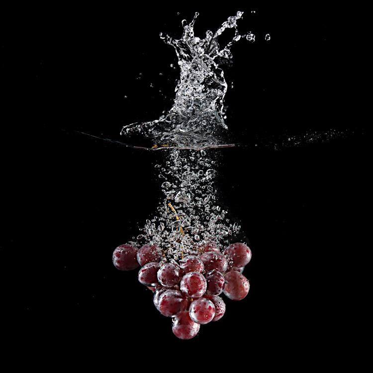 grapes water splash photography