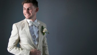 Posing Tips for the Groom on the Wedding Day