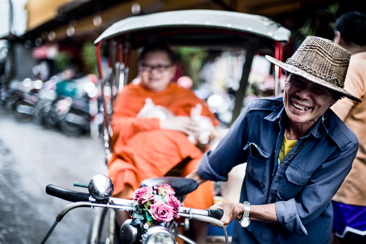 Chiang Mai Market Tricycle Taxi with Monk Passenger - 5 Key Elements that Directly Impact the Quality of Your Photography