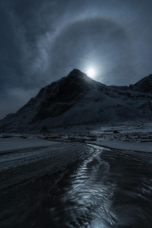 rio com céu noturno incrível