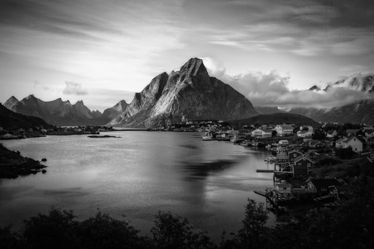 Weekly photography challenge black and white landscape
