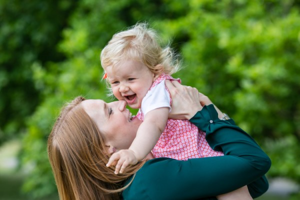 10 Tips for Photographing Moms and Their Kids