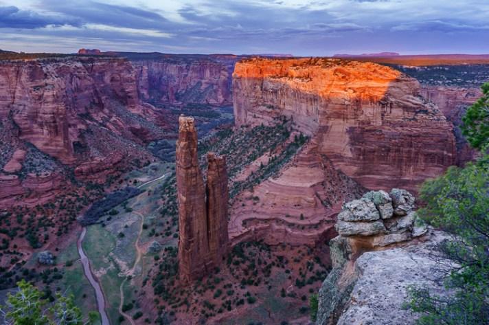 亚利桑那州亚利桑那州德利峡谷国家纪念碑的蜘蛛岩-风景摄影入门-4个针对初学者的简单提示