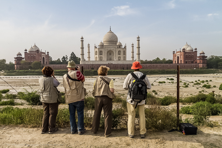 Tips for Making Your Travel Photography Packing List for International Trips - people shooting the Taj Mahal