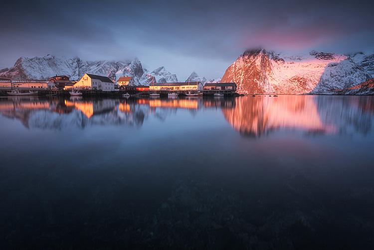 reflection on lake best ISO